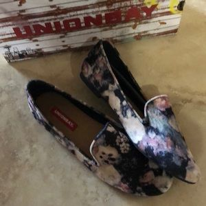 UNIONBAY Womens  Floral Loafers